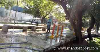 La Ciudad de Mendoza desinfectó calles y espacios públicos - mendozapost.com