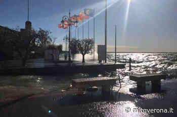 Lazise, Il vento porta il Lago dentro il paese - TgVerona