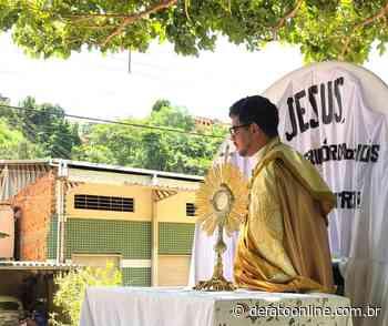 Adoração ao santíssimo percorre bairros de Santa Maria de Itabira - DeFato Online