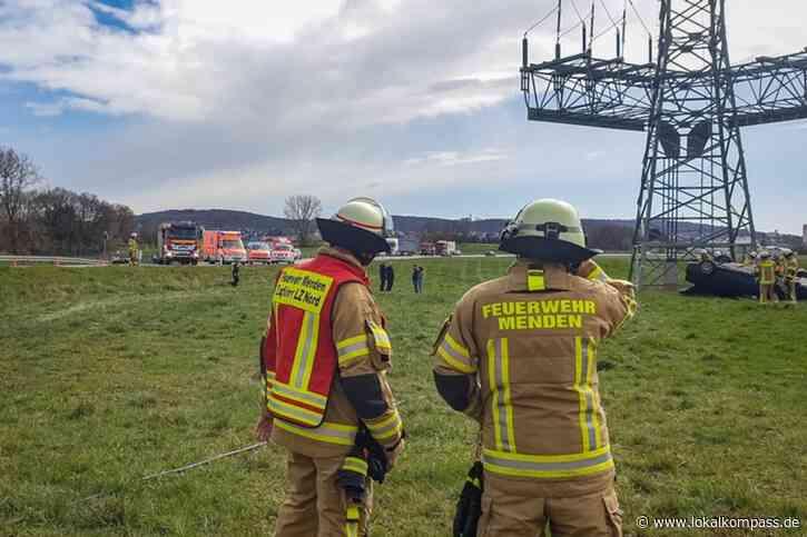 Fahrer verstorben: Tödlicher Verkehrsunfall auf der Fröndenberger Straße in Menden - Lokalkompass.de