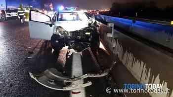 Scontro tra due auto in tangenziale: ragazza finisce in ospedale - TorinoToday