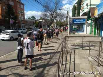 Movimentação intensifica em Canela após decreto ser flexibilizado na cidade - Jornal VS