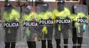 Aíslan a 8 policías escupidos por hombre que tendría coronavirus y que intentó suicidarse - Pulzo.com