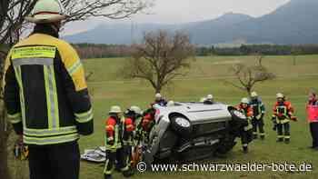 Dotternhausen/B 27: Von Straße abgekommen und schwer verletzt - Dotternhausen - Schwarzwälder Bote