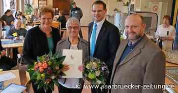 Doris Hoffmann aus Mettlach erhält Saarländische Ehrenamtsnadel - Saarbrücker Zeitung