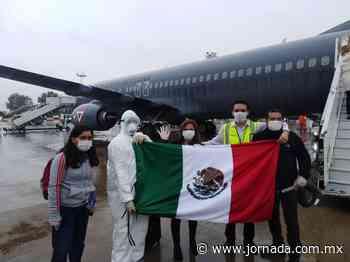 Vuelan de regreso a México 280 connacionales desde Buenos Aires - La Jornada