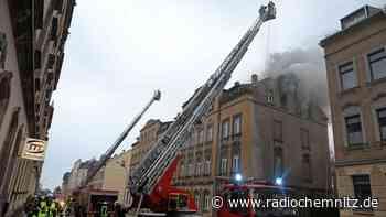 Dachstuhlbrand in Limbach-Oberfrohna - Nachbarhaus evakuiert - Radio Chemnitz