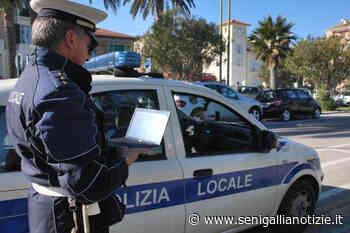Polizia Locale in soccorso dei disabili in difficoltà a Falconara Marittima - Senigallia Notizie