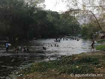 Cientos de personas invaden el río Suchiapa; temen propagación del Covid-19 - Aquí Noticias