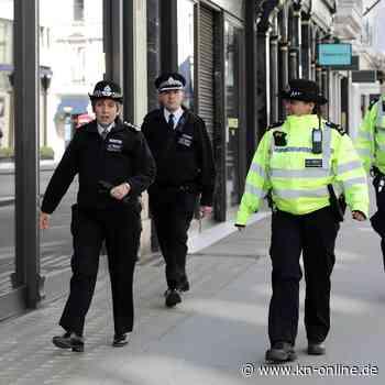 Brite hustet absichtlich Polizisten an: Sechs Monate Haft