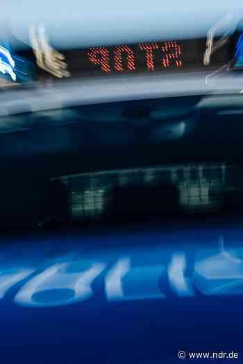 Bunde: Unbekannte sprengen zwei Geldautomaten - NDR.de