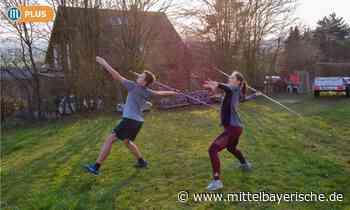 Speerwerfer trainieren im Garten - Sport aus Amberg - Nachrichten - Mittelbayerische