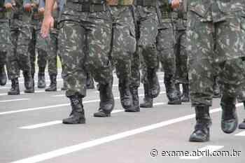 Surto de sarampo atinge 76 cadetes de base aérea em Pirassununga (SP) - EXAME.com