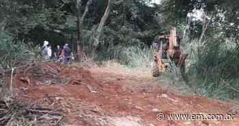 Moradores denunciam obra não autorizada da Prefeitura de Juatuba em área preservada - Estado de Minas