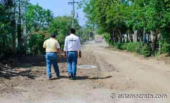 Alcalde de Santiago Tuxtla supervisa obra de drenaje - El Demócrata
