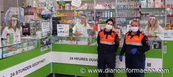 El Ayuntamiento de San Miguel reparte 700 viseras faciales para toda la población que trabaja de cara al público y 200 para el Hospital de Torrevieja - Información