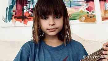 Muna, la hija de Agustina Cherri y Gaston Pauls, la rompe haciendo covers - TN - Todo Noticias
