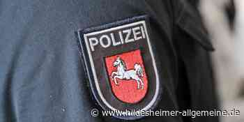 Lastwagen verliert auf A 7 bei Hildesheim Getränkekisten - www.hildesheimer-allgemeine.de