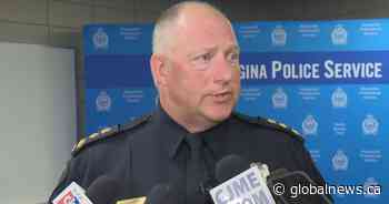 Regina police encourage people to use public health line to report those not self-isolating - Global News
