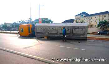 Driver Disappears, Barricades Destroyed, As Truck Crashes In Awka - The Nigerian Voice