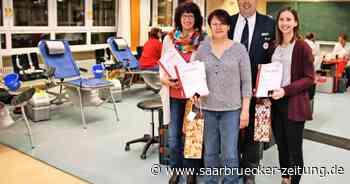 Ehrungen für insgesamt 110 Blutspenden beim DRK in Freisen - Saarbrücker Zeitung