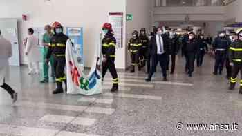 Coronavirus, l'omaggio ai medici di Garbagnate Milanese - Italia - Agenzia ANSA