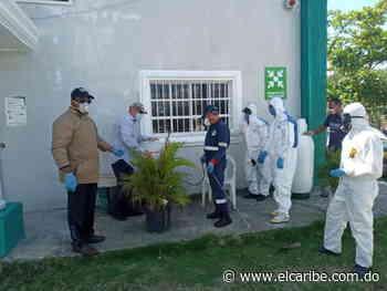 Representantes de la sociedad civil inician operativos de desinfección en San Cristóbal - Periódico El Caribe - Mereces verdaderas respuestas - El Caribe
