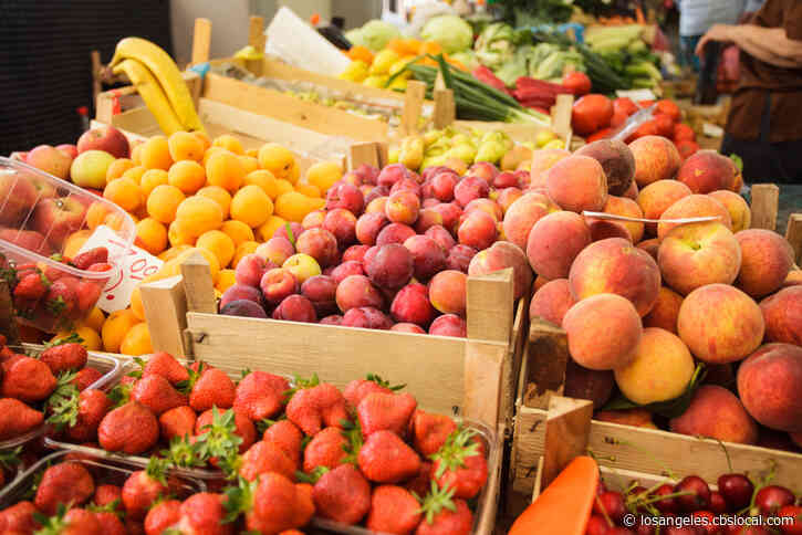 No Crowds, Fewer Options At Farmers Markets Under New Guidelines