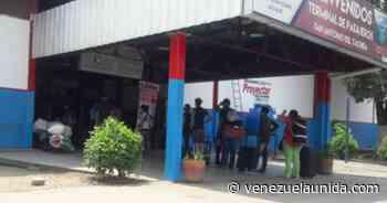 Chequearon a pasajeros que llegaron al terminal de San Antonio del Táchira desde Colombia (Fotos) - http://venezuelaunida.com/