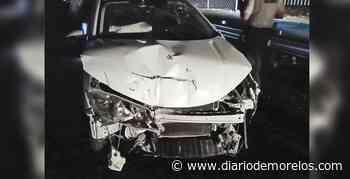 Arrolla a motociclista y destroza su auto contra barra en Xochitepec - Diario de Morelos