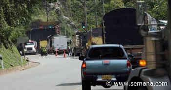 Altos funcionarios del Estado que tienen fincas en Anapoima entran y la Policía no puede hacer nada - Semana.com