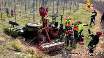 Incidente sul lavoro a Villafranca di Verona: trattore si ribalta, agricoltore incastrato - Verona Sera