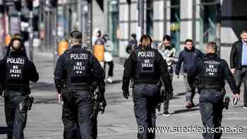 Polizei setzt bei Beschränkungs-Kontrollen auf Aufklärung - Süddeutsche Zeitung
