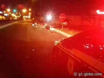Motorista morre em acidente com três carros na Região de Curitiba - G1