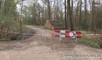 Parkeerplaatsen Den Treek in Leusden afgesloten - LeusderKrant.nl
