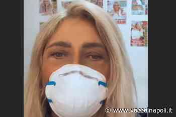 """Mara Venier in camerino con la mascherina: """"Io mi trucco sola"""" - Voce di Napoli"""