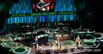 Video: Lauren Alaina, Terri Clark and Ashley McBryde play 'John Deere Green' in honor of Joe Diffie on the Grand Ole Opry - Oklahoman.com