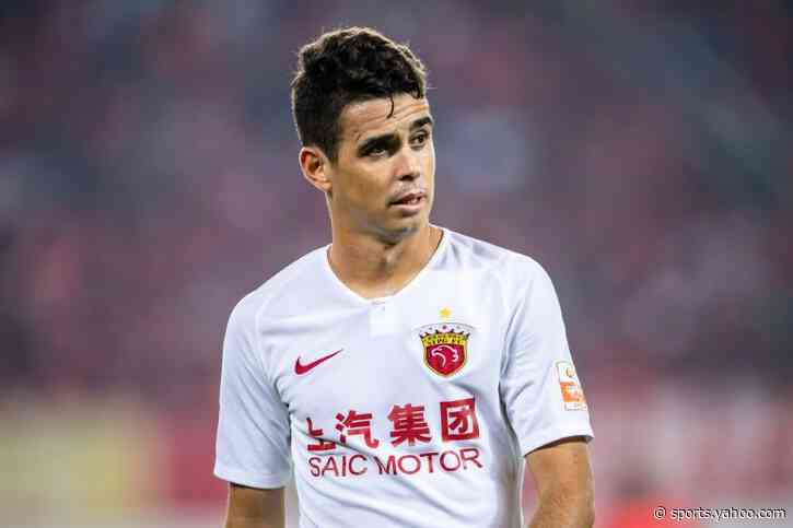 Chinese football agonises over wage cuts in face of coronavirus