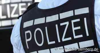 Nach einer tödlichen Messerattacke in einer Flüchtlingsunterkunft in Kronach ist der 28 Jahre alte Tatverdächtiger weiter auf freiem Fuß.