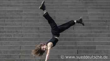 Ballett-Tänzerin Anna Gorokhova verlegt Training ins Freie - Süddeutsche Zeitung
