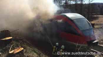 Brand in fahrender Regionalbahn löst Feuerwehreinsatz aus - Süddeutsche Zeitung