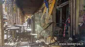 Vado Ligure, appello per aiutare esercente al quale un incendio ha distrutto la pizzeria - La Stampa