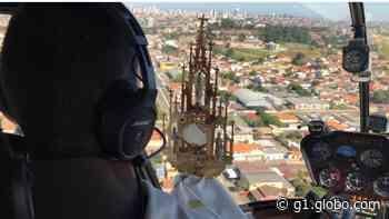 Padre sobrevoa Ponta Grossa com helicóptero para abençoar cidade no Domingo de Ramos: 'Proteção contra pandemia' - G1