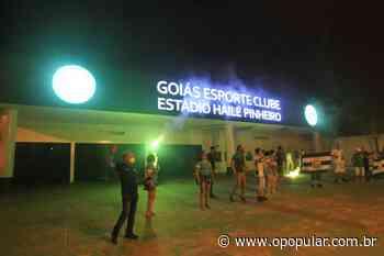 Na Serrinha, torcida do Goiás canta hino do clube para celebrar aniversário de 77 anos - Ludovica