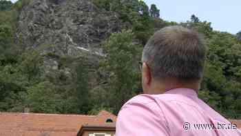 Absturzgefahr: Felsbrocken in Bad Berneck muss untersucht werden - BR24