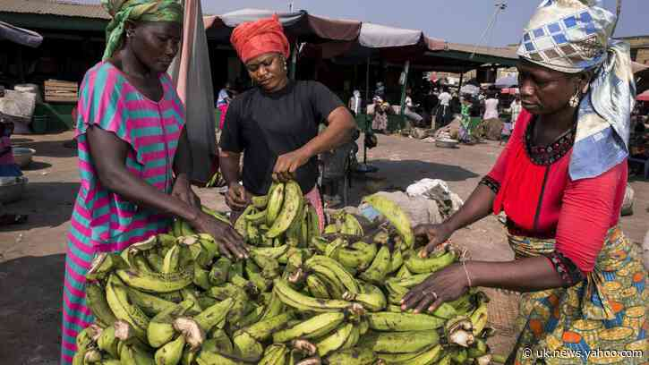 African street vendors feel the squeeze under strict Covid-19 measures