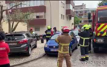 Bombeiros de Barcarena supreendem criança no dia do seu aniversário - Lux