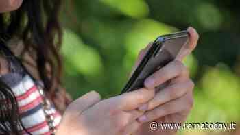 """Coronavirus, la truffa dei falsi sms dell'Inps: """"Il link nel messaggio ruba i dati del telefono"""""""