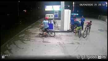 Quatro homens em bicicletas assaltam posto de combustíveis em Pacatuba, na Grande Fortaleza - G1