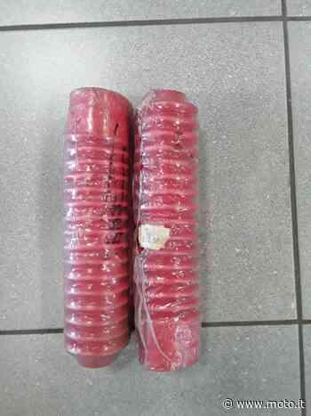 Vendo 8203142 soffietti forcella Aprilia ETX Aprilia a Paderno Dugnano (codice 8031493) - Moto.it